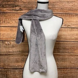 North Face• Gray Fuzzy Soft Scarf